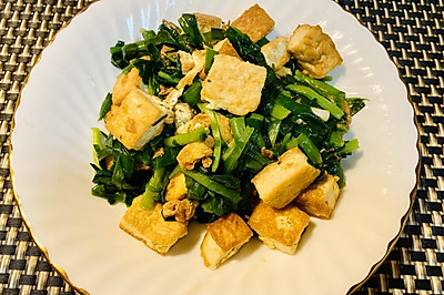 清鲜的韭菜炒豆腐Popular Recipe