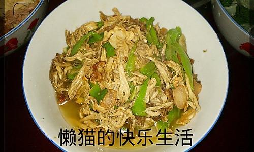 青椒刷把菌炒肉的做法