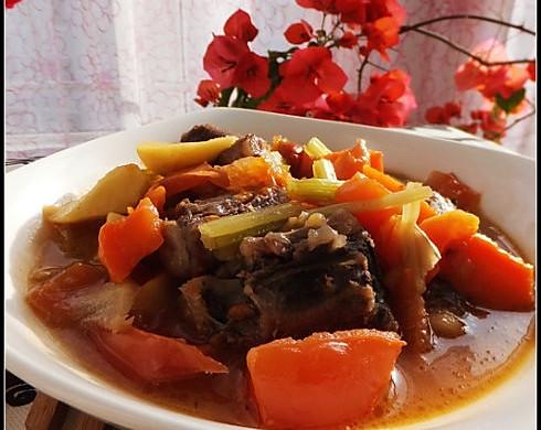 番茄牛尾煲