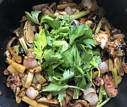 香辣羊头肉干锅的做法