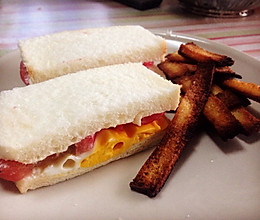 鸡蛋番茄三明治+烤吐司片的做法