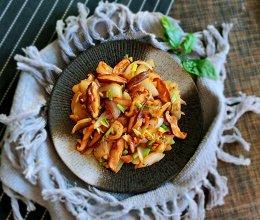 洋葱炒香菇的做法