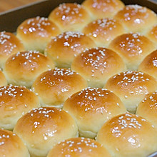 家常版蜂蜜小面包 搭配热牛奶营养早餐好味道 做法简单味道好