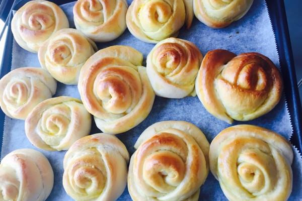 奶油玫瑰花面包-最实际的浪漫的做法