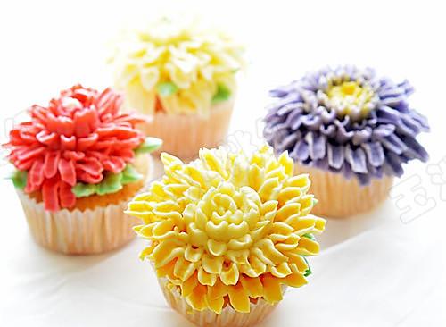 菊花纸杯小蛋糕的做法