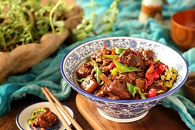 枣庄压桌硬菜~辣子鸡