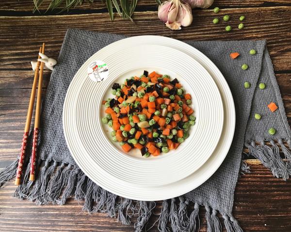 豌豆木耳炒胡萝卜