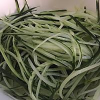 凉拌莴笋黄瓜丝的做法图解3