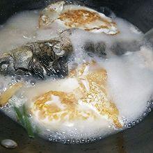 营养奶白鲫鱼汤~荷包蛋版0基础