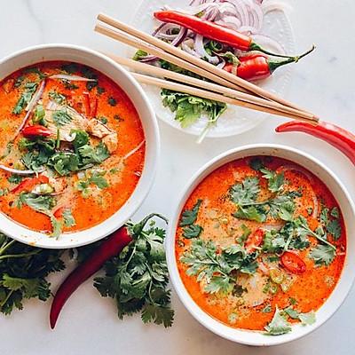 泰式椰香紅咖喱米線