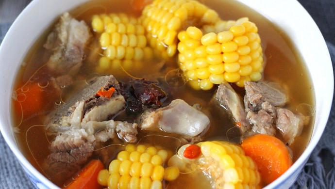 电饭锅版玉米胡萝卜筒骨汤