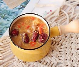 红枣枸杞花生养生粥的做法