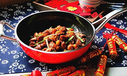 红红火火鲍鱼栗子鸡的做法