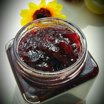 什锦莓子果酱