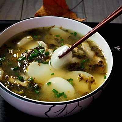 雪菜肉丝年糕汤:宁波人过年必吃美食#盛年锦食.忆年味