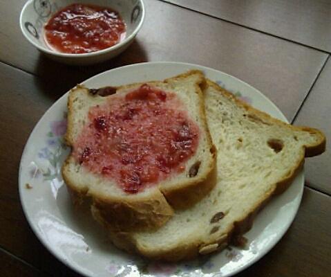 草莓酱三明治的做法