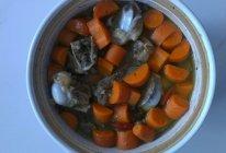 筒子骨胡萝卜汤的做法