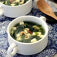 减脂-裙带菜豆腐汤