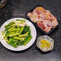 简单易做的家常菜,青蒜炒鸡的做法图解3