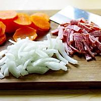 红酒炖牛肉的做法图解1