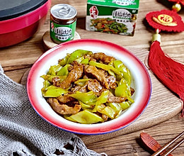 #我们约饭吧#超级下饭的尖椒炒猪颈肉 专治夏天没胃口的做法