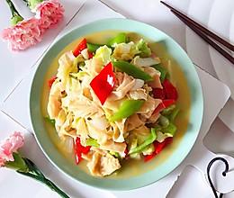 #餐桌上的春日限定#青红椒腐皮黄白菜的做法