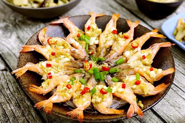 金蒜粉丝蒸虾的做法