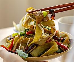 腊肉炒豆丝|喷香下饭的做法