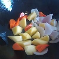 土豆炖牛肉的做法图解3