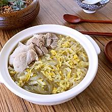 东北酸菜白肉锅