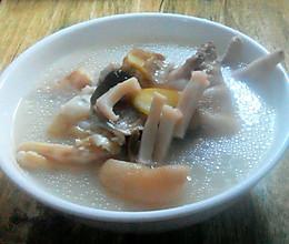 秋、冬季'三爪'润燥汤的做法