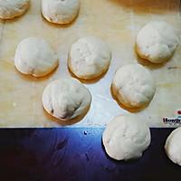 超柔软的牛奶面包~手揉版的做法图解4