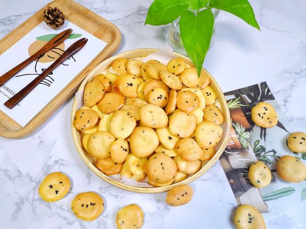 【鸡蛋芝麻小饼干】,小时候的味道!的做法