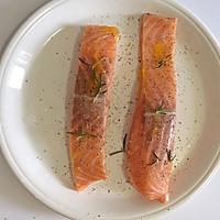 迷迭香煎三文鱼#宜家让家更有味#的做法图解2