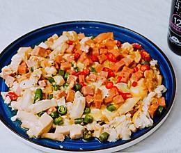 豆腐窝蛋的做法