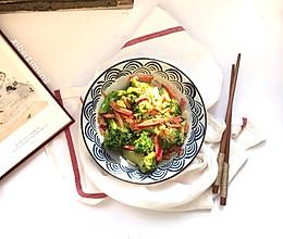 小白也能做的红肠炒西兰花的做法