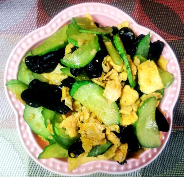 家常菜 素炒黄瓜木耳鸡蛋的做法