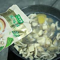 花蛤菌菇豆腐汤的做法图解7