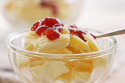 草莓酱.香草冰激凌