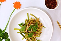 凉拌鸡肉丝蒜苔的做法