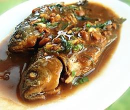 酱焖鲫鱼的做法