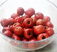 炒红果的做法图解2