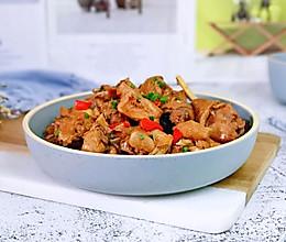 #我们约饭吧#红红椒烧鸡块的做法