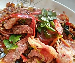 双椒炒灌肠的做法