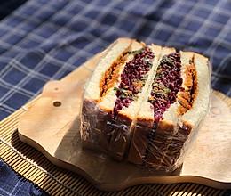 网红紫米面包的做法