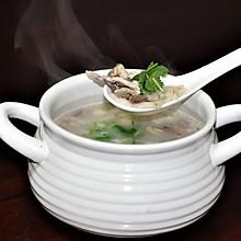 牛奶色羊杂汤
