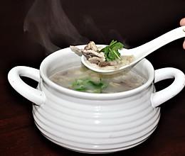 牛奶色羊杂汤的做法