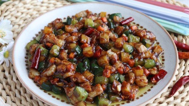 营养又美味的五花肉炒三丁,连吃几顿都不腻的做法