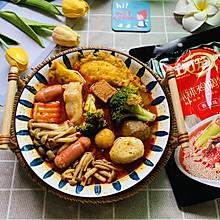 #夏日开胃餐#黄金蛋饺西兰花蟹味菇火腿肠海鲜丸子蟹柳麻辣烫