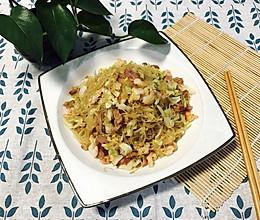炒粉丝—鲜虾火腿圆白菜的做法